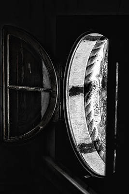 Photograph - Window To The Past by Edgar Laureano