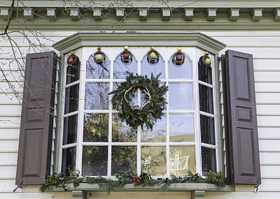 Reconstruction Photograph - Windows Of Williamsburg 20 by Teresa Mucha