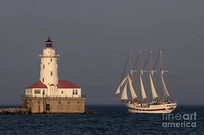 Photograph - Windy And The Chicago Harbor Light - D009820 by Daniel Dempster