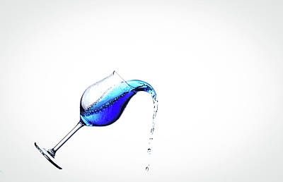 Spill Photograph - Wine In Free Fall - 21 by Mark A Hunter