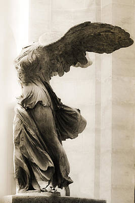 Nike Photograph - Winged Victory Of Samothrace by Hsin Liu