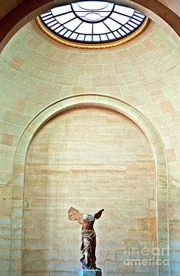 Winged Victory Of Samothrace Louvre Art Print by Loriannah Hespe