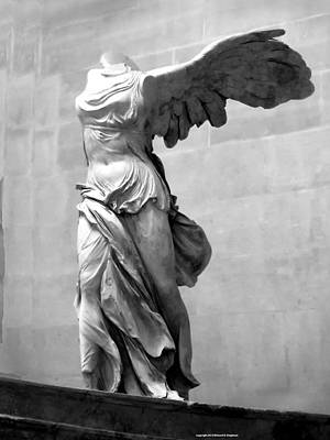 Louve Photograph - Winged Victory Paris France Louvre Gallery by Richard Singleton