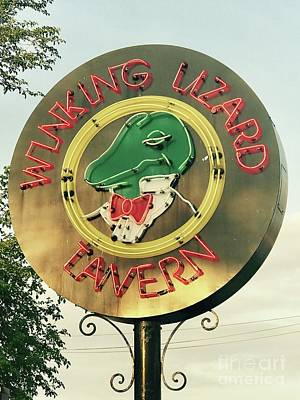 Photograph - Winking Lizard Tavern by Michael Krek