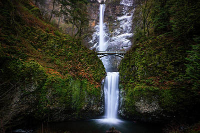 Winter At Multnomah Falls Art Print