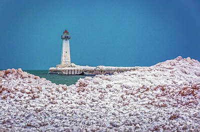 Photograph - Winter At Sodus Point  by Roger Monahan