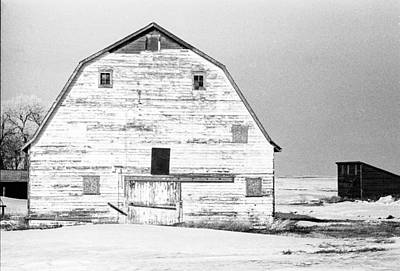 Photograph - Winter Barn by William Kimble