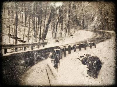 Photograph - Winter Curve by Michael L Kimble