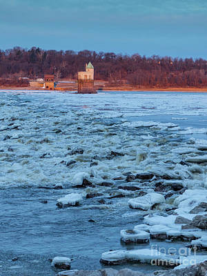 Photograph - Winter Sunrise On The Mississippi River by Garry McMichael