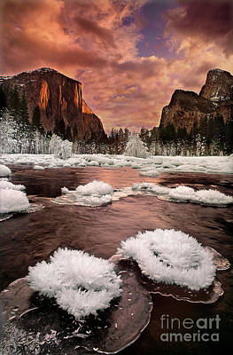 Photograph - Winter Sunset Gates Of The Valley Yosemite National Park California by Dave Welling