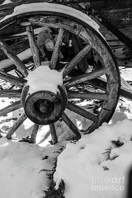 Photograph - Winter Wagon Wheel by Cathie Richardson