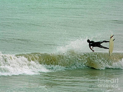 Catch A Wave Photograph - Wipe Out by D Hackett