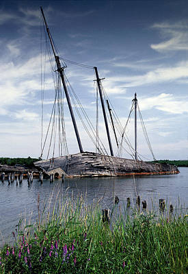 Photograph - Wiscasset Schooners by Fred LeBlanc