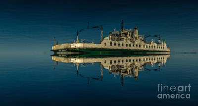 Photograph - Wolfe Islander IIi by Roger Monahan