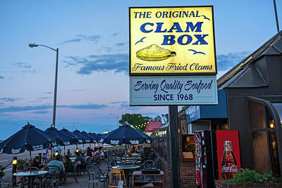 Photograph - Wollaston Beach Quincy Ma Clam Box by Toby McGuire