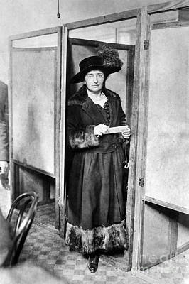 Ballot Wall Art - Photograph - Woman: Voting, 1920 by Granger