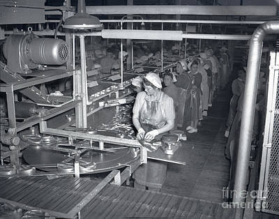 Photograph - Women Packing Sardines At Plant 101 At Cal Pac, The California Packing Corp. by California Views Mr Pat Hathaway Archives