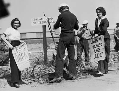 Women Pickets In Salinas Art Print by Underwood Archives