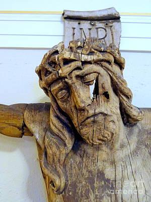 Photograph - Wooden Christ by Ed Weidman