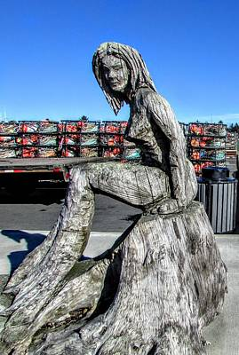 Photograph - Wooden Lady by Marilyn Diaz
