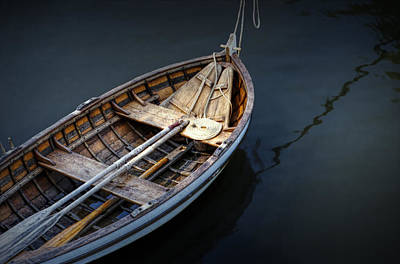 Photograph - Wooden Rowboat Dingy In The Harbor At Jamestown by Randall Nyhof