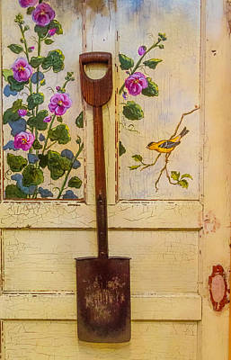 Old Shovels Photograph - Wooden Shovel On Painted Door by Garry Gay