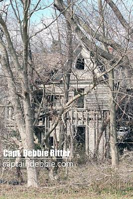 Photograph - Wooden Victorian 1959 by Captain Debbie Ritter