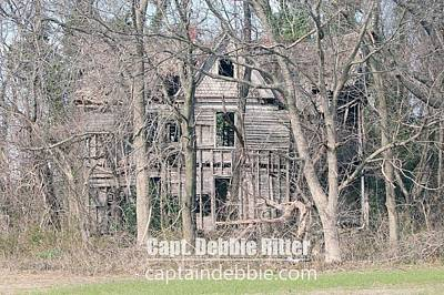 Photograph - Wooden Victorian 1968 by Captain Debbie Ritter