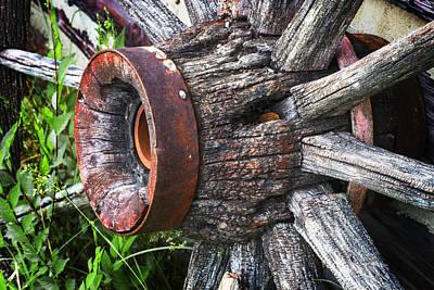 Wagon Wheel Hub Wall Art - Photograph - Wooden Wagon Wheel by Donald  Erickson
