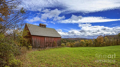 Old Farm Photograph - Woodstock Vermont Old Red Barn In Autunm by Edward Fielding