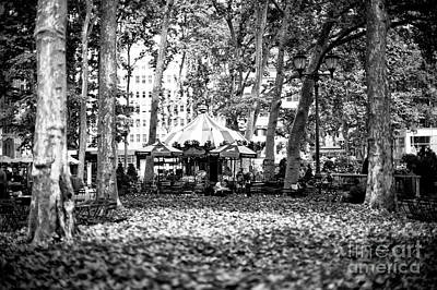 Artist Working Photograph - Working In Bryant Park by John Rizzuto