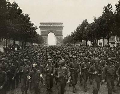 Bsloc Photograph - World War II. The Liberation Of Paris by Everett