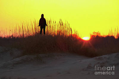 Painting - Worship The Sun On The Outer Banks Ap by Dan Carmichael