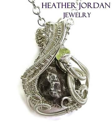 Vaseline Glass Jewelry - Woven Sikhote-alin Meteorite Pendant In Sterling Silver With Uranium Vaseline Glass Imetpss11 by Heather Jordan