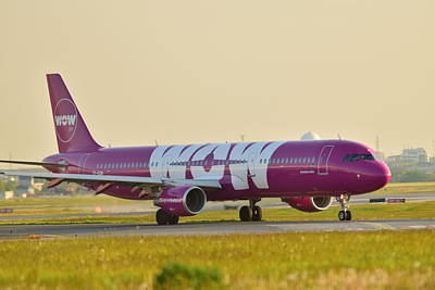 Photograph - Wow Air by Puzzles Shum