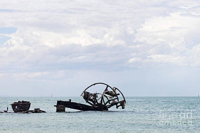 Photograph - Wreck Of The Ozone by Linda Lees