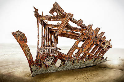 Peter Iredale Photograph - Wreck Of The Peter Iredale by Matthew Kiener