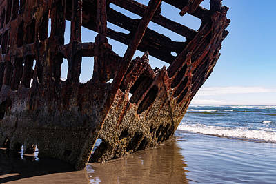 Peter Iredale Photograph - Wreck Of The Peter Iredale by Rick Pisio