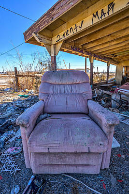 Photograph - Wreckcliner 2 by Peter Tellone