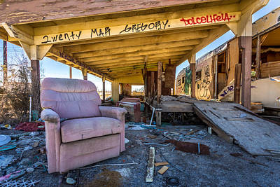 Photograph - Wreckcliner by Peter Tellone