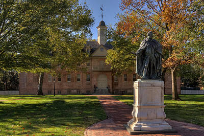 Photograph - Wren Building And Lord Botetourt by Jerry Gammon
