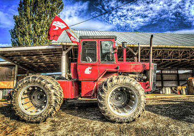 Photograph - Wsu Tractor by Spencer McDonald