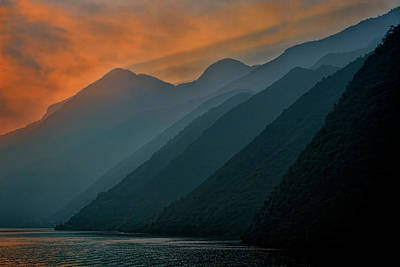 Photograph - Wu Gorge Sunrise by Ray Kent