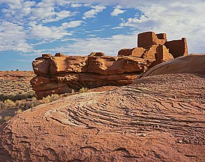 Photograph - Wukoki Rock Swirl by Tom Daniel