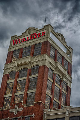 Photograph - Wurlitzer 4752 by Guy Whiteley