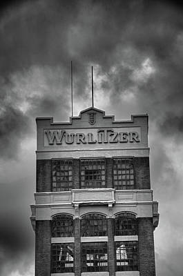 Photograph - Wurlitzer Tower 9811 by Guy Whiteley