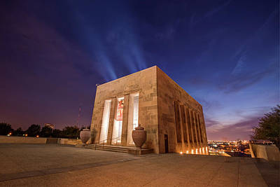 Photograph - Wwi Memorial - Kansas City Missouri by Gregory Ballos