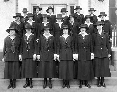 U.s. Navy Photograph - Wwi Navy Women Yeoman by Underwood Archives