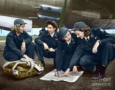 Photograph - Wwii Female Pilots by Granger
