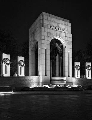 Photograph - World War 2 Memorial, Pacific by Ross Henton